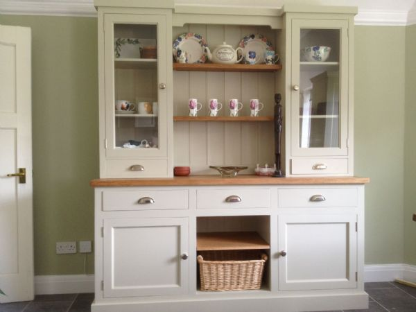 Bespoke column dresser with baskets